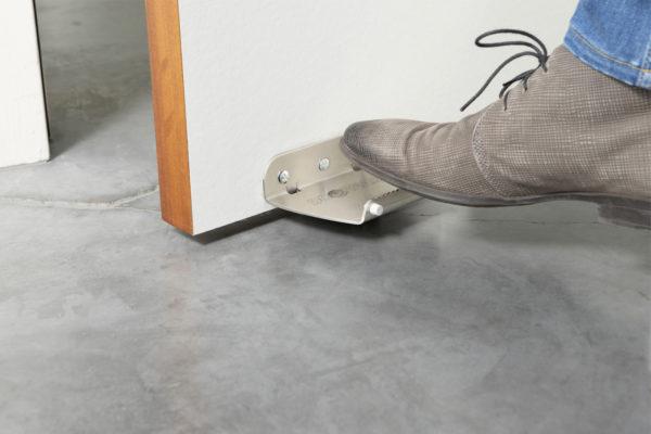 doornado voetopener met voet